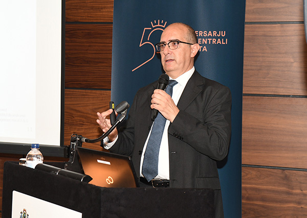 Central Bank of Malta public lecture on 'Unconventional monetary policy in the euro area: Macroeconomic context, effectiveness, unintended consequences, and normalization'